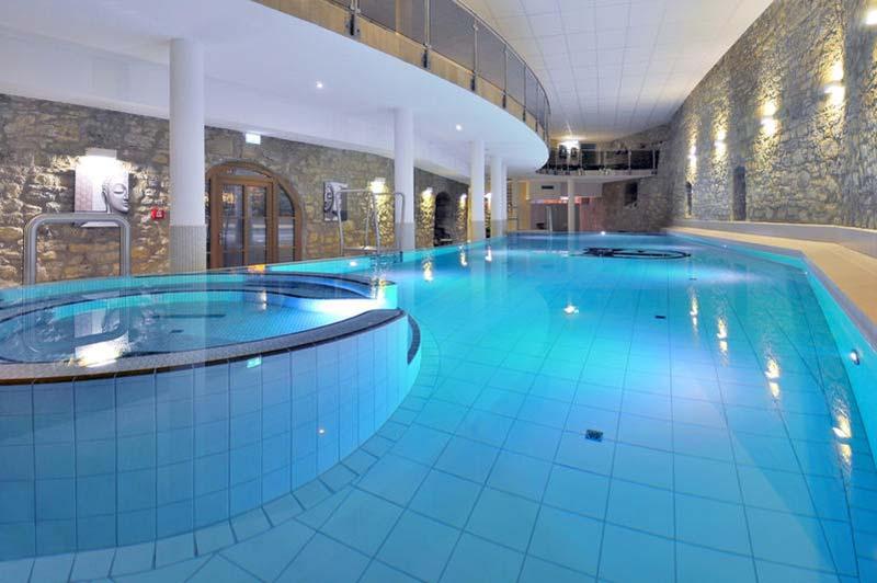 Tanzreise nach westerburg harz im wasserschloss westerburg for Hotel mit schwimmbad harz